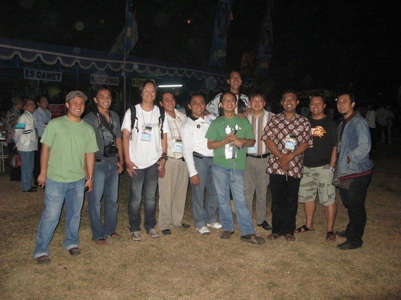 Aku dan kawan-kawan seangkatan bertemu di Lustrum XII, 2008 silam